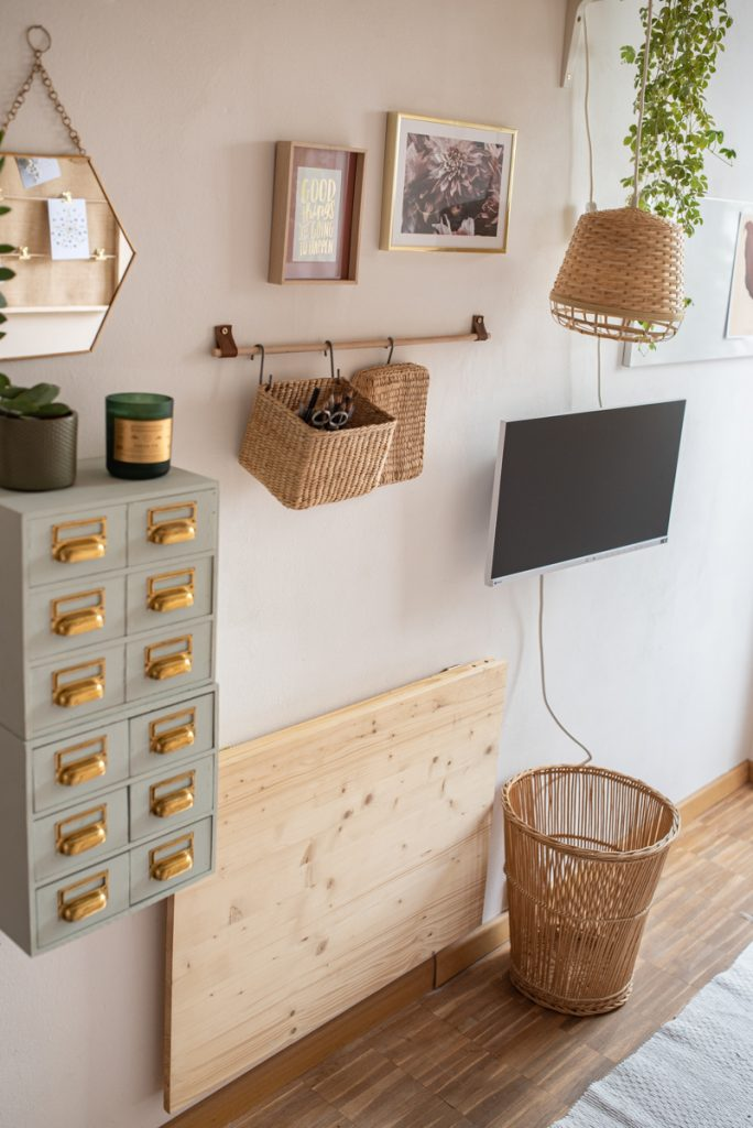 Einrichtungsideen für das DIY Homeoffice auf kleinstem Raum mit selbstgemachter Deko im hygge scandi Look in Naturfarben