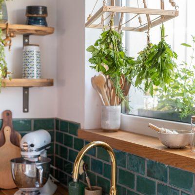 DIY - Kräuter trocknen am Holzständer