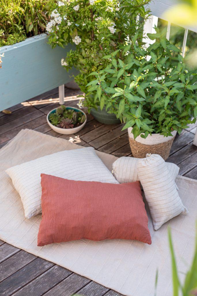 Anleitung für ein bequemes, sehr schnell genähtes DIY camping Kissen zum selber nähen mit Beutel, das platzsparend und gemütlich ist für das Zelt, den Bulli oder Wohnwagen