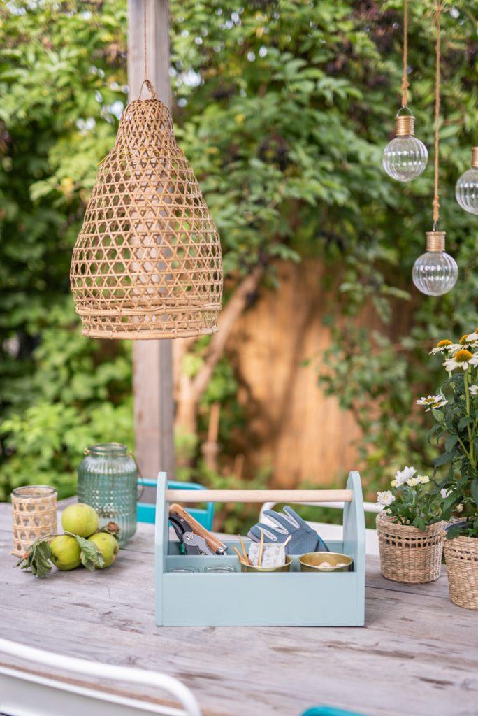 DIY Anleitung für einen klassischen Werzeugkasten aus Holz für Gartenwerkzeug als Ordnungshelfer für den Garten und den Gartenschuppen