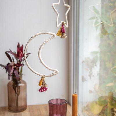 DIY Boho Weihnachtsdeko: Mond und Sterne mit Quasten zum Aufhängen