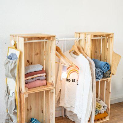DIY Camping 3: Kleiderschrank aus Holzkisten